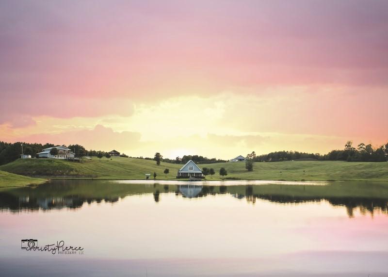 alabama-wedding-venue-flagstone-farm-lake-sunrise