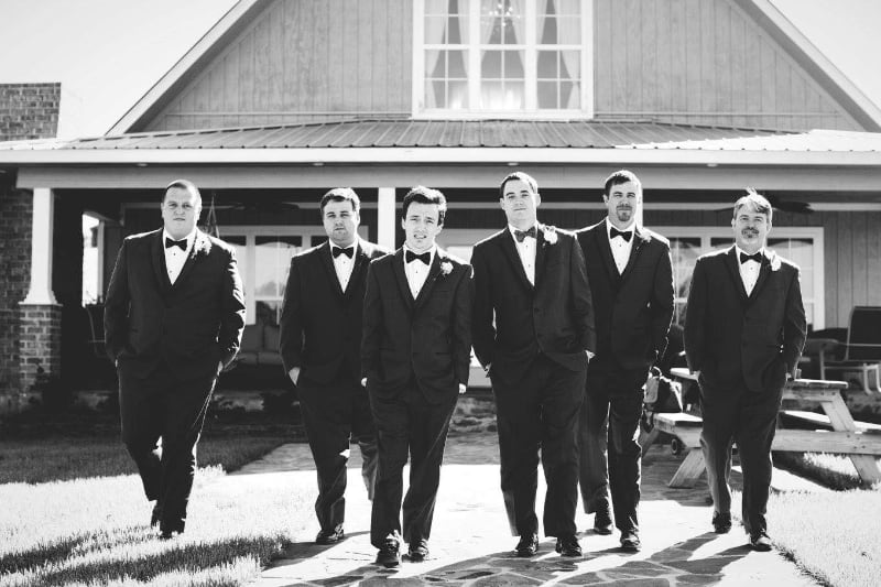 cottage-alabama-wedding-venue-groomsmen