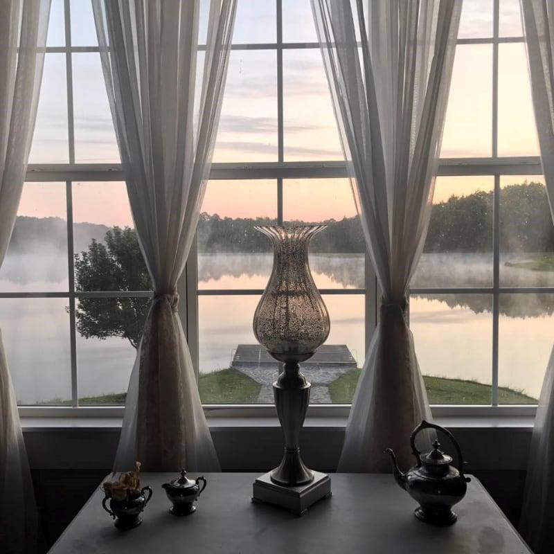 cottage-alabama-wedding-venue-lake