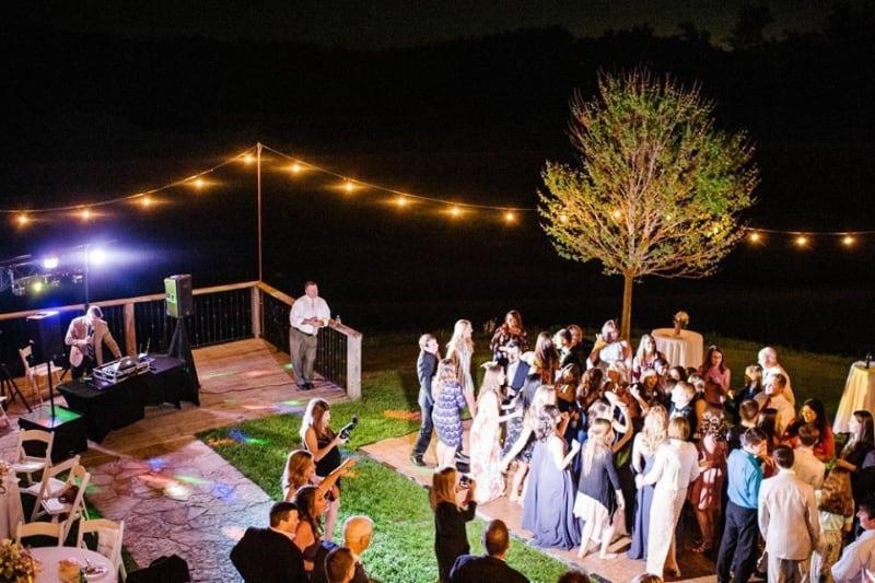 the-barn-wedding-venue-dance