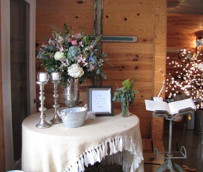 the-barn-wedding-venue-flowers