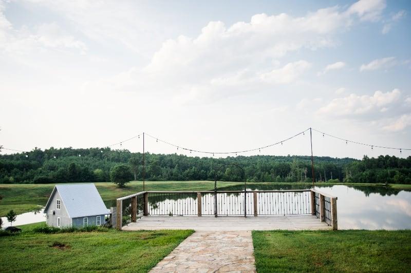 the-barn-wedding-venue-lake