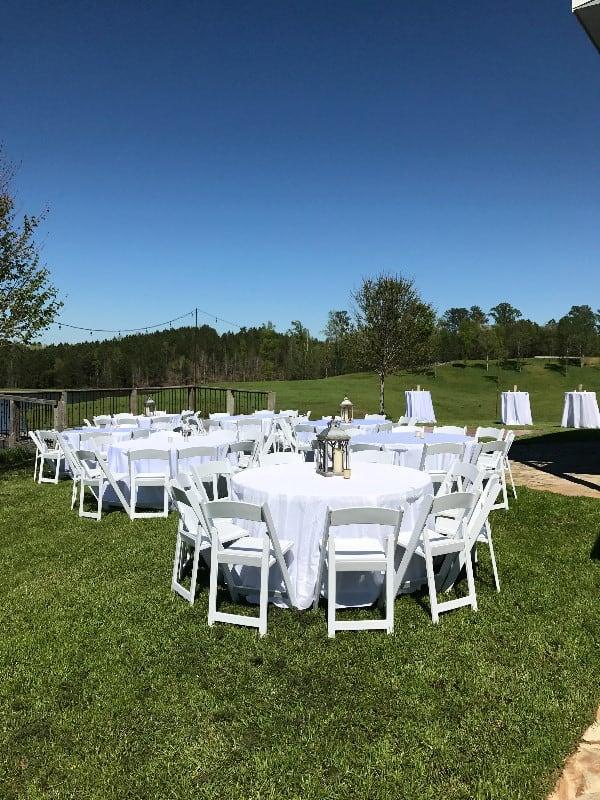 the-barn-wedding-venue-outdoor-seating-2