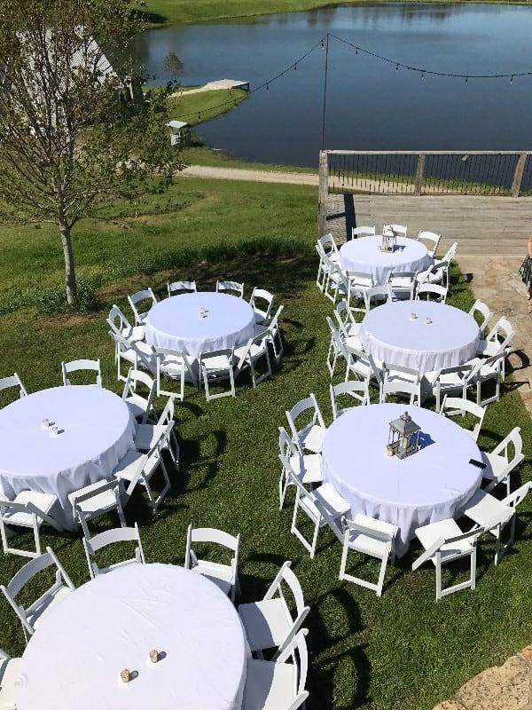 the-barn-wedding-venue-outdoor-seating