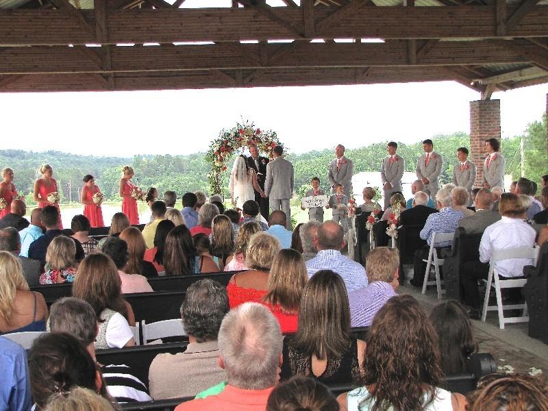wedding-venue-alabama-chapel-aisle