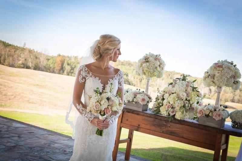 wedding-venue-alabama-chapel-bride-alter