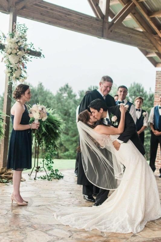 wedding-venue-alabama-chapel-bride