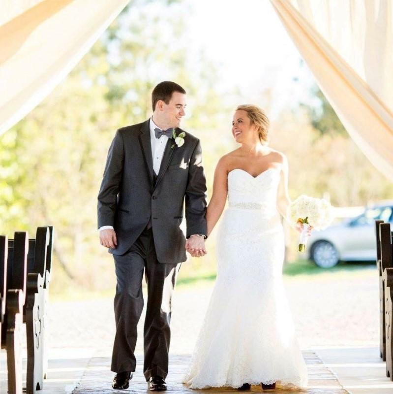 wedding-venue-alabama-chapel-groom