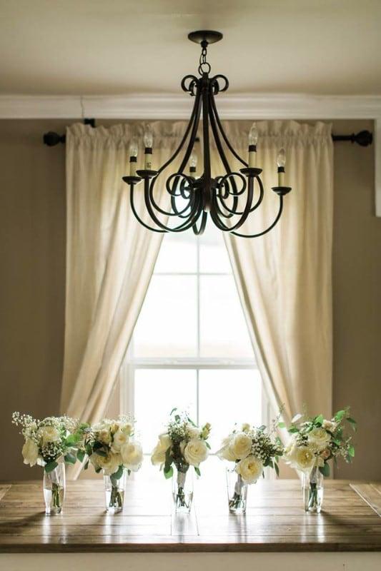 wedding-venue-alabama-cottage-chandelier