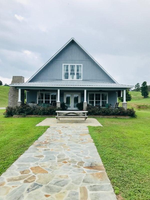 wedding-venue-alabama-cottage-front