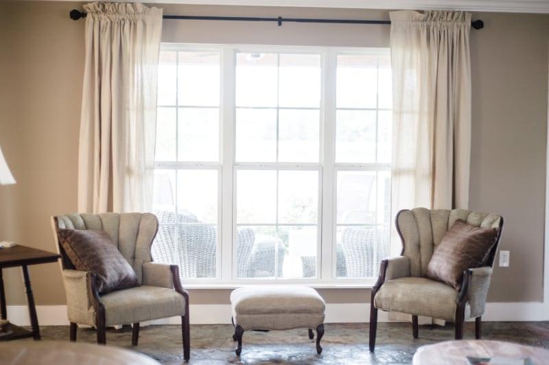 wedding-venue-alabama-cottage-seating-area