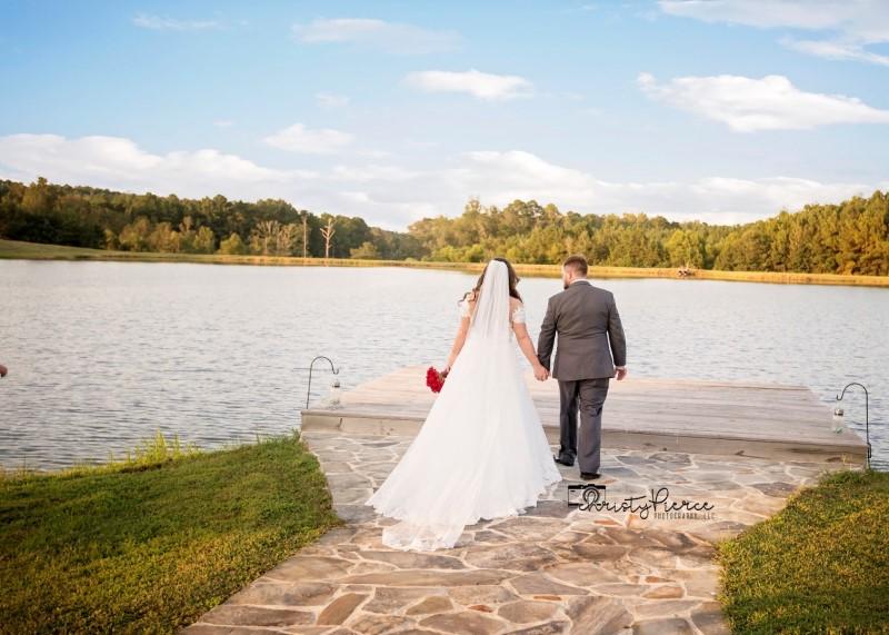 wedding-venue-alabama-flagstone-lake-dock